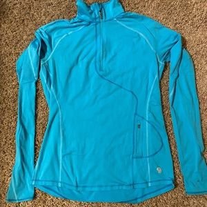 Mountain Hardware 3/4 zippered pullover size M